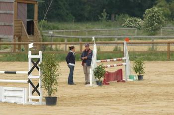 L'entaîneur national poney était présent pour suivre l'évolution des couples.